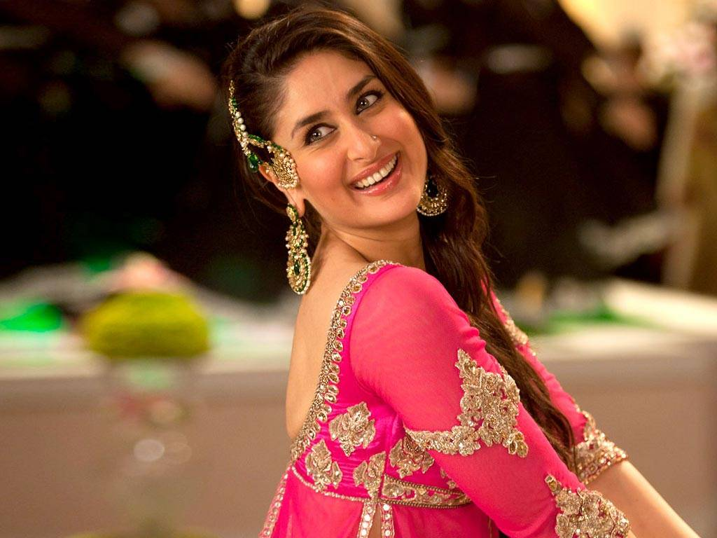 Kareena Kapoor Height, Weight, Wiki, Biography, Age, Net Worth, Facts