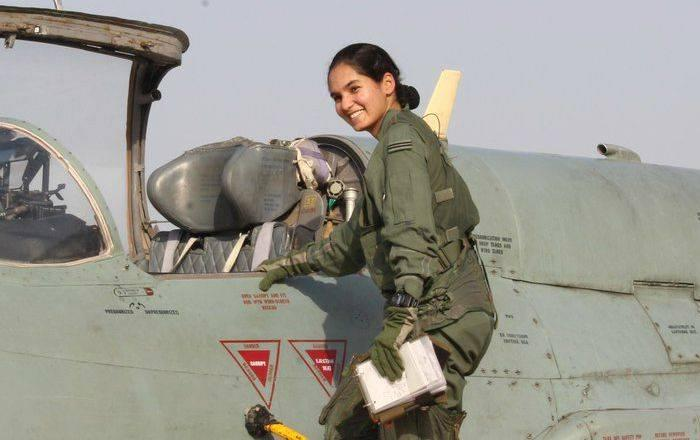 Avani Chaturvedi (Pilot) Height, Weight, Age, Wiki, Biography, Facts - Avani Chaturvedi