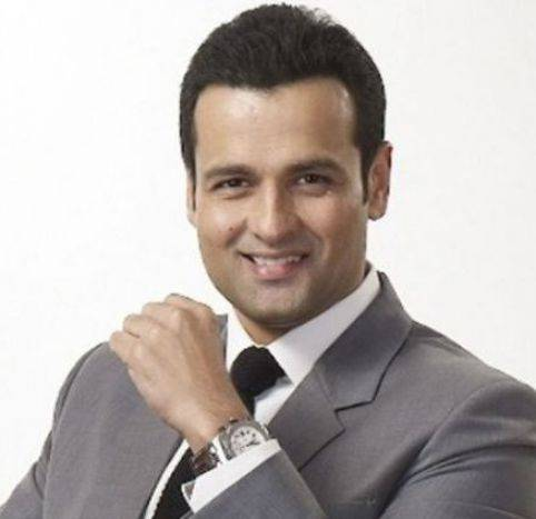 Rohit Roy Height, Weight, Age, Biography, Wiki, Wife, Brother, Family - Rohit Roy