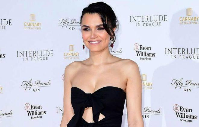 Samantha Barks Height, Weight, Age, Wiki, Biography, Net Worth, Facts - Samantha Barks