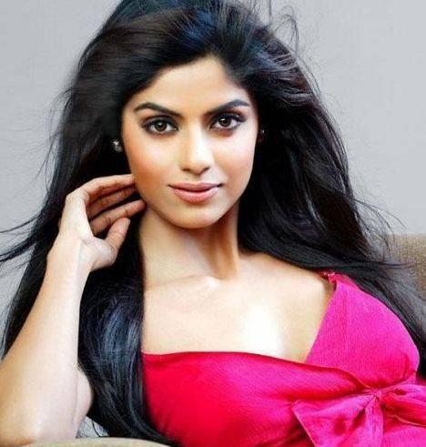 Sayantani Ghosh Height, Weight, Age, Biography, Wiki, Boyfriend, Family - Sayantani Ghosh