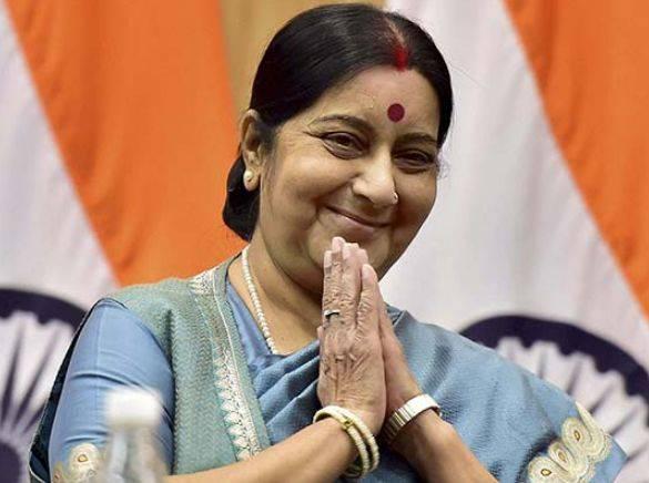 Sushma Swaraj Height, Weight, Age, Biography, Wiki, Husband, Family - Sushma Swaraj