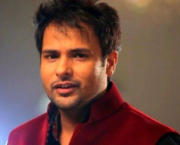 Amrinder Gill Height, Weight, Age, Biography, Wiki, Wife, Family, Profile - Amrinder Gill