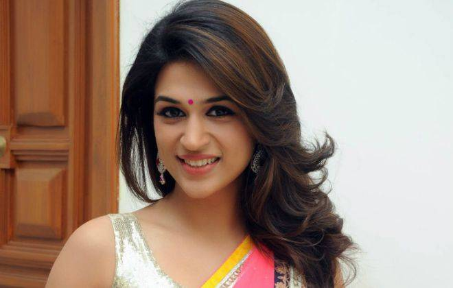 Shraddha Das Age, Bio, Height, Measurements, Boyfriend, Family, Facts - Shraddha Das