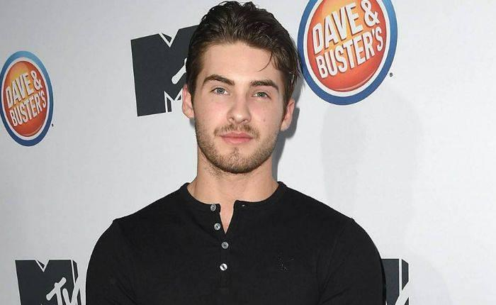 Cody Christian Height, Weight, Age, Wiki, Biography, Net Worth, Facts - Cody Christian