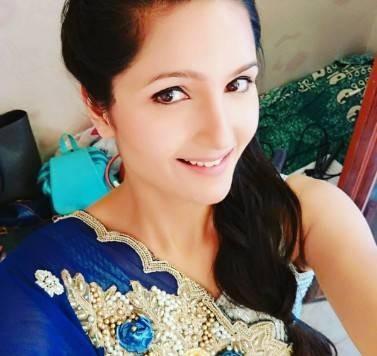 Radha Bhatt Height, Age, Weight, Wiki, Biography, Family & More - 1556380424 Radha Bhatt Height Age Weight Wiki Biography Family amp More