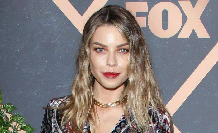 Lauren German Biography, Lifestyle, Net Worth, Income, Salary, House, Cars, Favorites, Affairs, Awards, Family, Facts - Lauren German Lifestyle Wiki Net Worth Income Salary House Cars