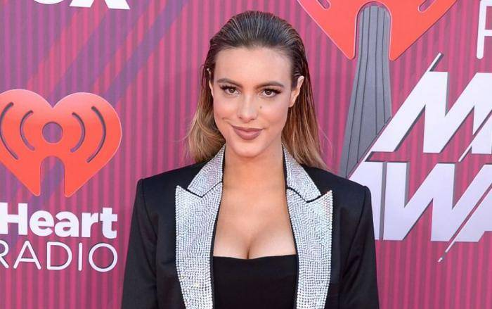 Lele Pons Wiki, Net Worth, Income, Salary, House, Cars, Favorites, Affairs, Awards, Family, Facts & Biography - Lele Pons Lifestyle Wiki Net Worth Income Salary House Cars