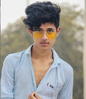 Ayush Jain (Tik Tok Star), Wiki, Age, Girlfriend, Family, Weight, Height, Bioghraphy, Net Worth.