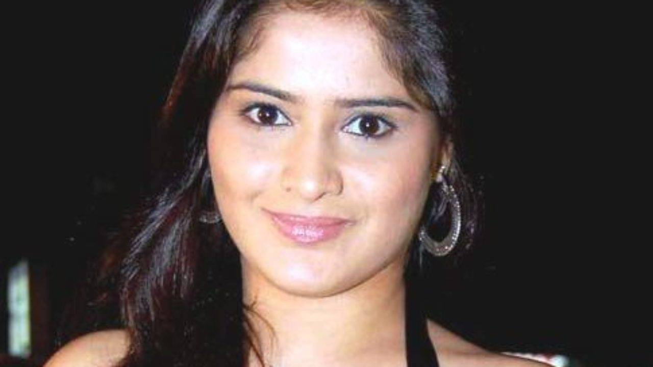 Aarti Singh Biography, Age, Height, Wiki, Husband, Family, Profile - Aarti Singh