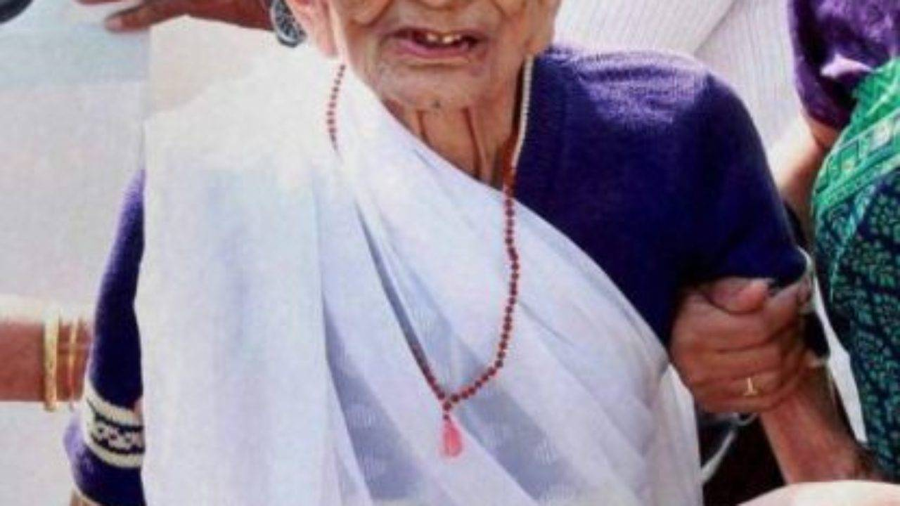 Heeraben Modi Biography, Age, Wiki, Husband, Sons, Family, Profile - Heeraben Modi
