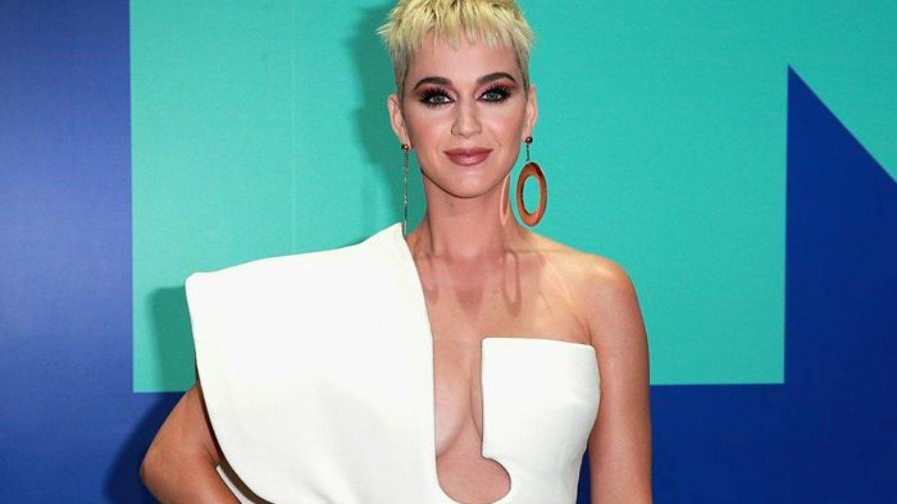 Katy Perry Height, Weight, Age, Wiki, Biography, Net Worth, Facts - Katy Perry