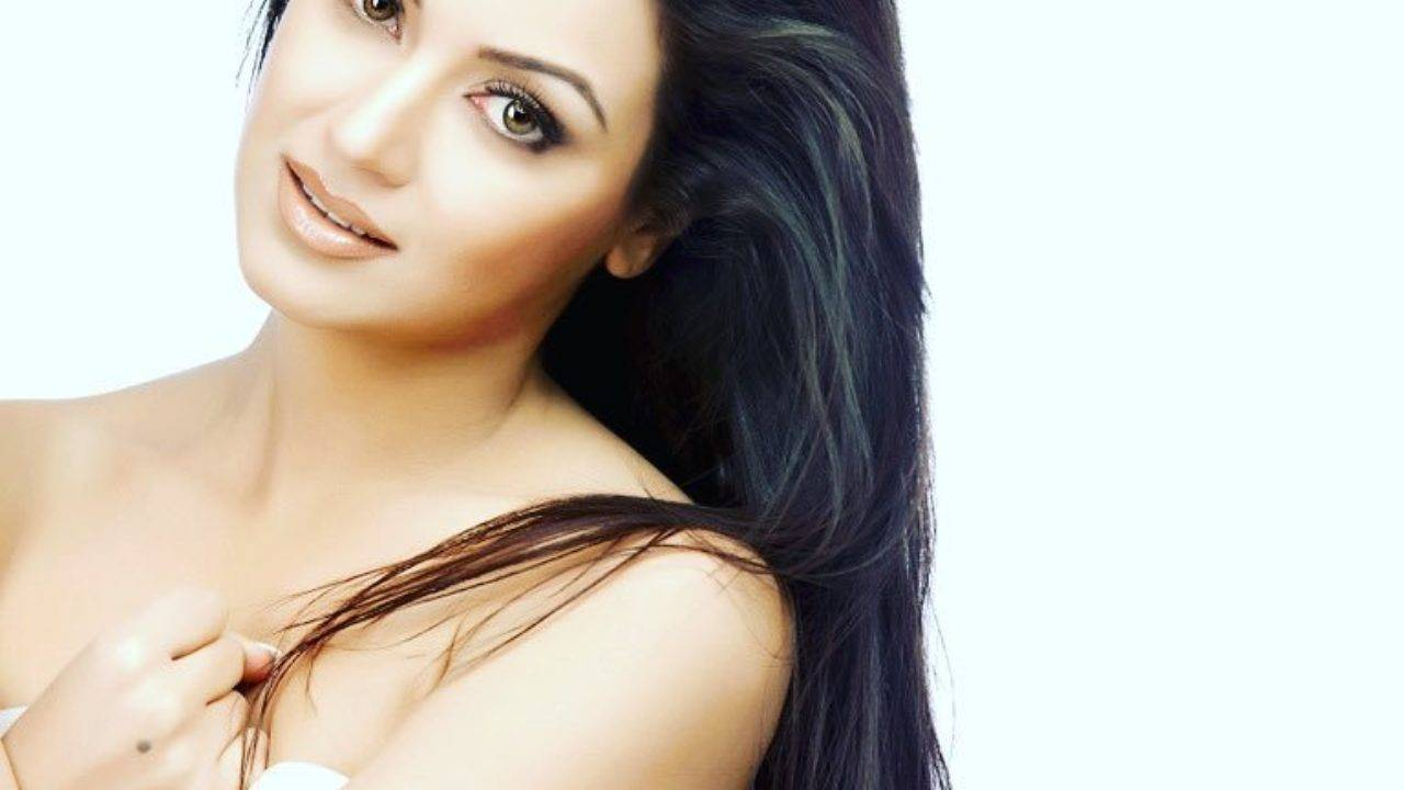 Maryam Zakaria Height, Weight, Age, Boyfriend, Husband, Family, Wiki biography - Maryam Zakaria 7