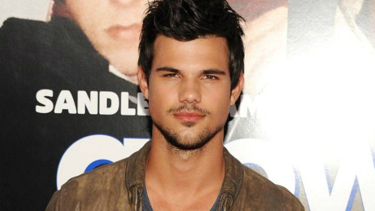 Taylor Lautner Height, Weight, Age, Wiki, Biography, Net Worth, Facts - Taylor Lautner