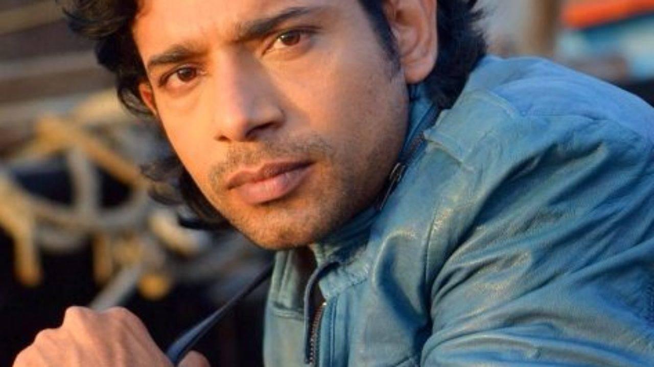Vineet Kumar Singh Biography, Age, Height, Wiki, Wife, Family, Profile - Vineet Kumar Singh