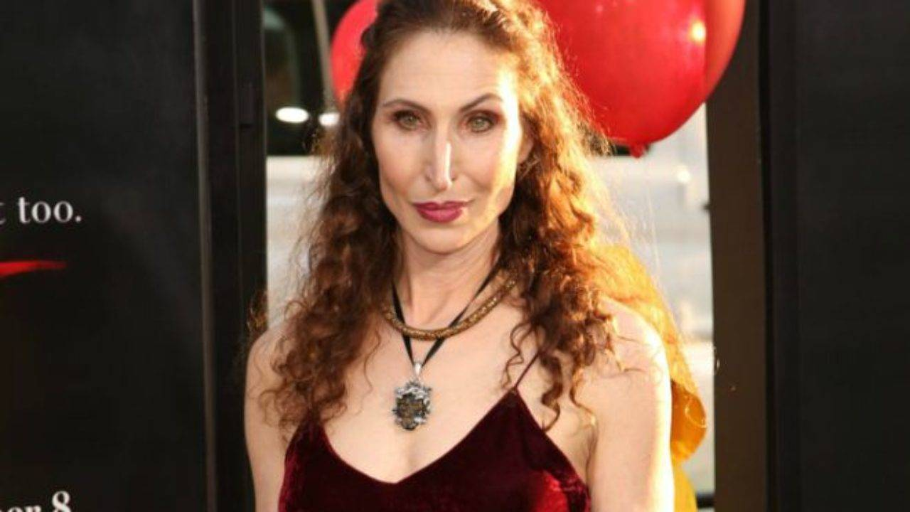 Bonnie Aarons Height, Weight, Age, Wiki, Biography, Net Worth, Facts - Bonnie Aarons