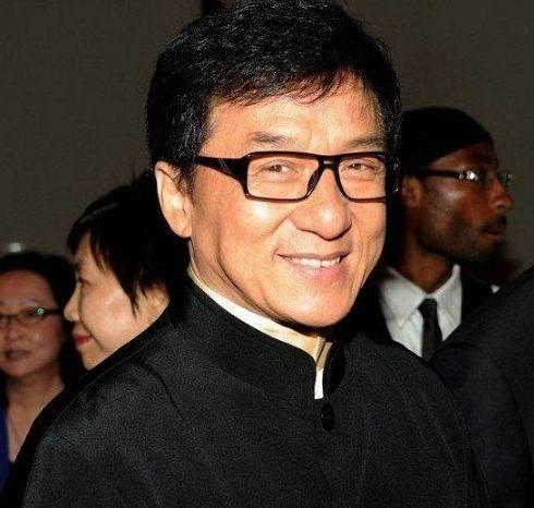 Jackie Chan Height, Weight, Age, Biography, Wiki, Salary, Wife, Family - Jackie Chan