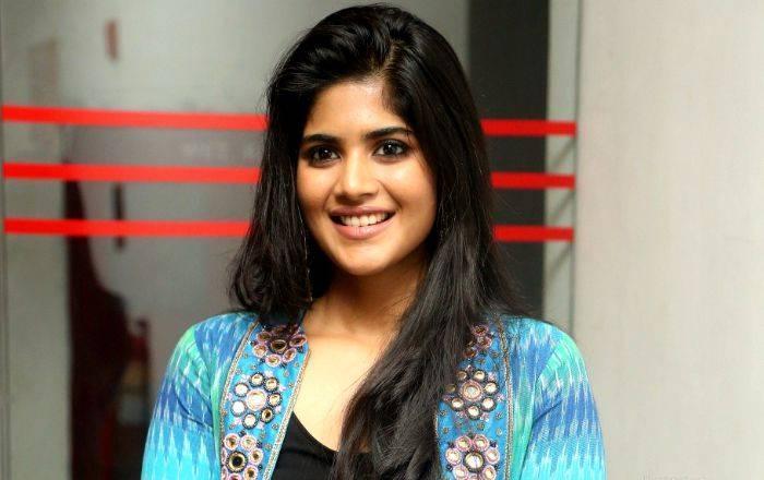 Megha Akash Height, Weight, Vital Stats, Age, Wiki, Biography, Facts - Megha Akash