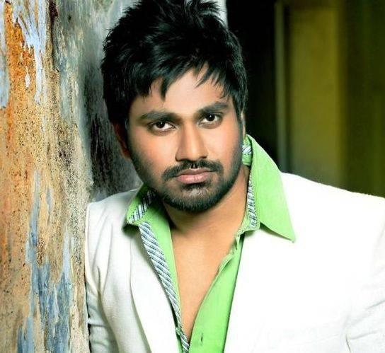 Mithoon (Musician) Height, Weight, Age, Biography, Wiki, Wife, Family - Mithoon