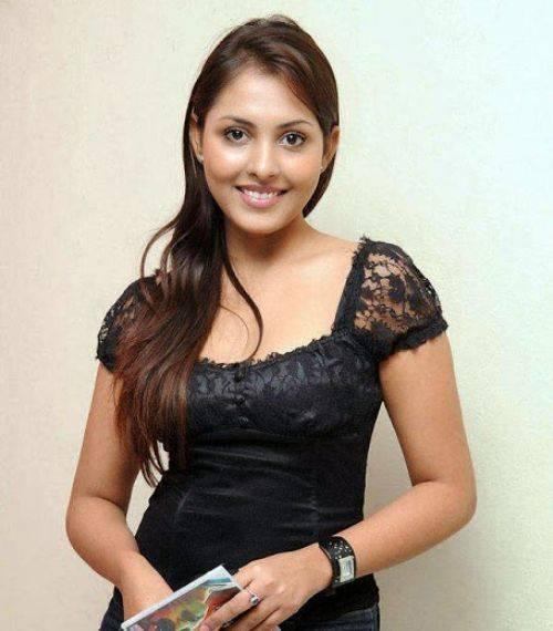 Shalini Talwar Singh Size, Age, Biography, Wiki, Husband, Family