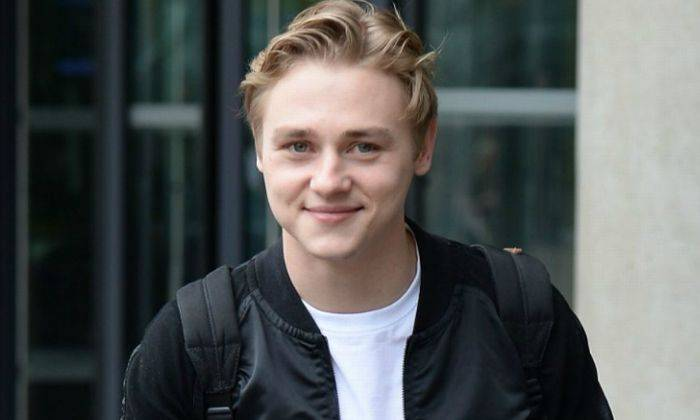 Ben Hardy Height, Weight, Age, Wiki, Biography, Net Worth, Facts - Ben Hardy