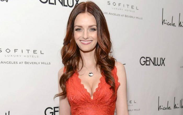 Lydia Hearst Biography, Age, Height, Husband, Net Worth, Facts - Lydia Hearst