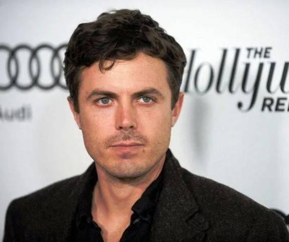 Casey Affleck Height, Weight, Age, Biography, Wiki, Wife, Family - Casey Affleck