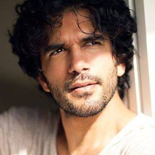 Taher Shabbir Height, Age, Weight, Wiki, Biography, Family & More - 1550814418 Taher Shabbir Height Age Weight Wiki Biography Family amp More