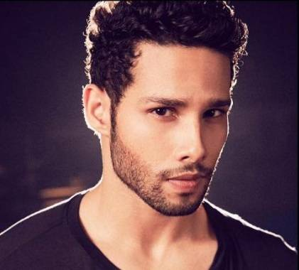 Siddhant Chaturvedi Height, Age, Weight, Wiki, Biography, Family & More - 1551237011 Siddhant Chaturvedi Height Age Weight Wiki Biography Family amp More