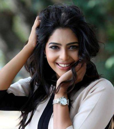 Aishwarya Lekshmi Height Weight Age Wiki Biography Husband Family