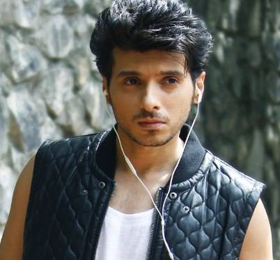 Divyendu Sharma Height, Age, Weight, Wiki, Biography, Wife & More - 1555134811 Divyendu Sharma Height Age Weight Wiki Biography Wife amp More