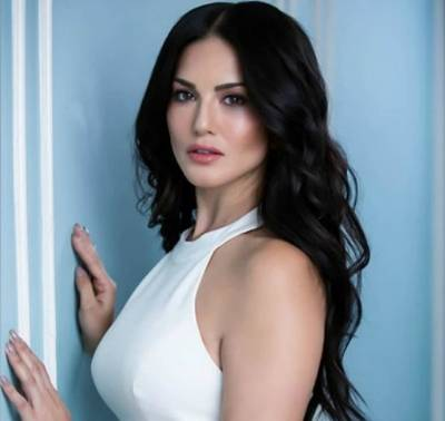 Sunny Leone Height, Age, Weight, Wiki, Biography, Husband & More - 1559891123 Sunny Leone Height Age Weight Wiki Biography Husband amp More