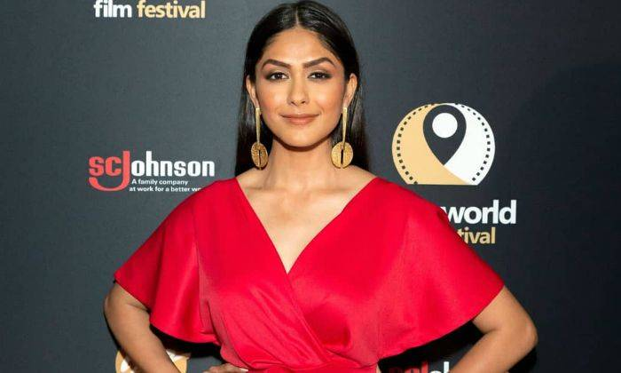 Mrunal Thakur Bio, Age, Height, Family, Boyfriend, Facts - Mrunal Thakur Bio Age Height Family Boyfriend Facts