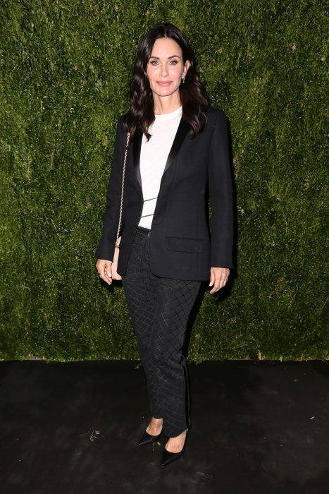 Courteney Cox Lifestyle, Wiki, Net Worth, Income, Salary, House, Cars, Favorites, Affairs, Awards, Family, Facts & Biography - 1563708829 284 Courteney Cox Lifestyle Wiki Net Worth Income Salary House Cars