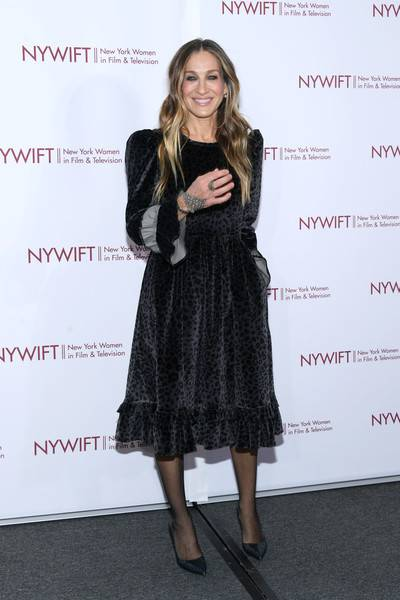 Sarah Jessica Parker Lifestyle, Wiki, Net Worth, Income, Salary, House, Cars, Favorites, Affairs, Awards, Family, Facts & Biography - 1563925406 41 Sarah Jessica Parker Lifestyle Wiki Net Worth Income Salary House