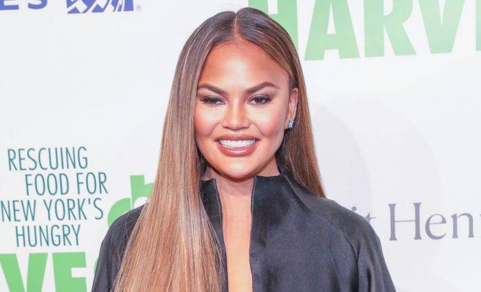 Chrissy Teigen Lifestyle, Wiki, Net Worth, Income, Salary, House, Cars, Favorites, Affairs, Awards, Family, Facts & Biography - Chrissy Teigen Lifestyle Wiki Net Worth Income Salary House Cars