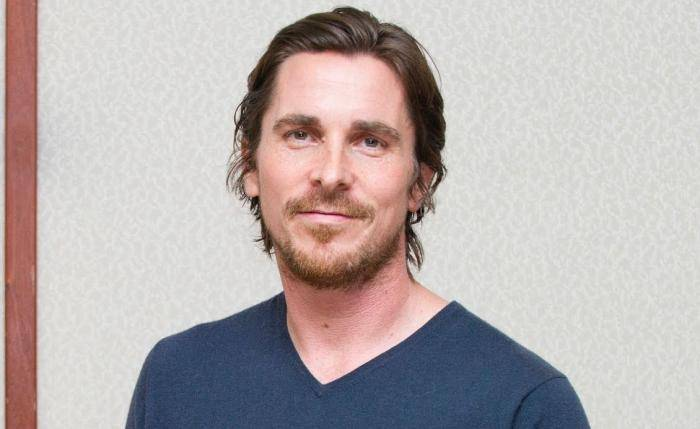 Christian Bale Lifestyle, Wiki, Net Worth, Income, Salary, House, Cars, Favorites, Affairs, Awards, Family, Facts & Biography - Christian Bale Lifestyle Wiki Net Worth Income Salary House Cars
