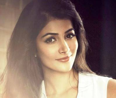 Pooja Hegde Age, Height, Wiki, Biography, Husband, Family, Facts - Pooja Hegde Age Height Wiki Biography Husband Family Facts