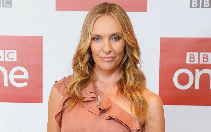 Toni Collette Lifestyle, Wiki, Net Worth, Income, Salary, House, Cars, Favorites, Affairs, Awards, Family, Facts & Biography - Toni Collette Lifestyle Wiki Net Worth Income Salary House Cars