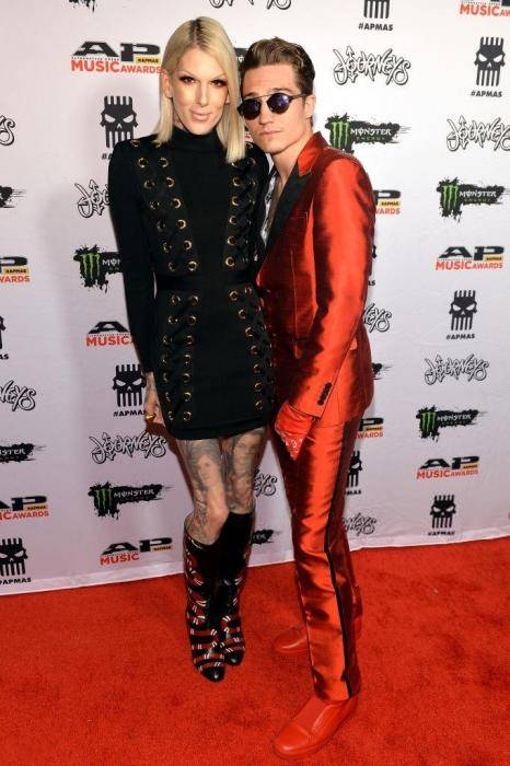 Jeffree Star Lifestyle, Wiki, Net Worth, Income, Salary, House, Cars, Favorites, Affairs, Awards, Family, Facts & Biography - 1564727719 113 Jeffree Star Lifestyle Wiki Net Worth Income Salary House Cars
