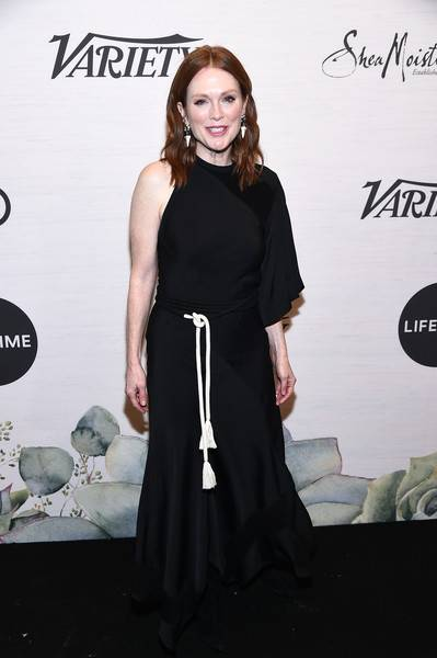 Julianne Moore Lifestyle, Wiki, Net Worth, Income, Salary, House, Cars, Favorites, Affairs, Awards, Family, Facts & Biography - 1565226522 929 Julianne Moore Lifestyle Wiki Net Worth Income Salary House Cars