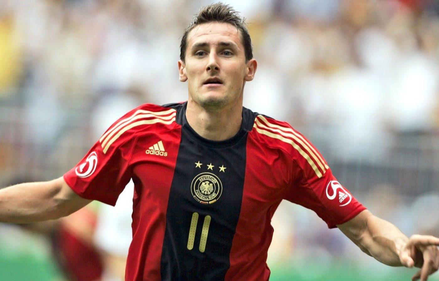 Miroslav Klose Biography - 1566224219 Miroslav Klose Biography
