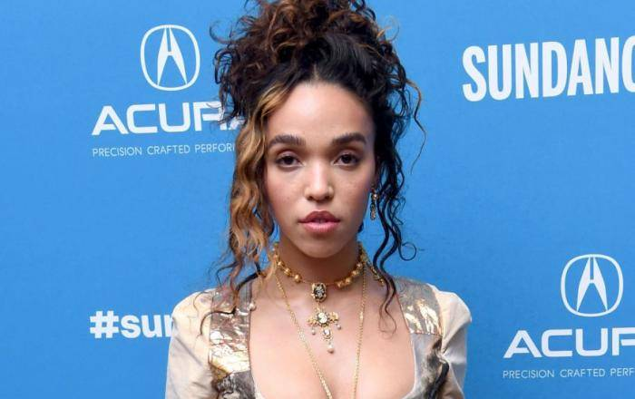 FKA Twigs Lifestyle, Wiki, Net Worth, Income, Salary, House, Cars, Favorites, Affairs, Awards, Family, Facts & Biography - FKA Twigs Lifestyle Wiki Net Worth Income Salary House Cars