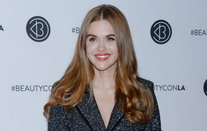 Holland Roden Lifestyle, Wiki, Net Worth, Income, Salary, House, Cars, Favorites, Affairs, Awards, Family, Facts & Biography - Holland Roden Lifestyle Wiki Net Worth Income Salary House Cars