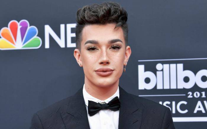 James Charles Lifestyle, Wiki, Net Worth, Income, Salary, House, Cars, Favorites, Affairs, Awards, Family, Facts & Biography - James Charles Lifestyle Wiki Net Worth Income Salary House Cars