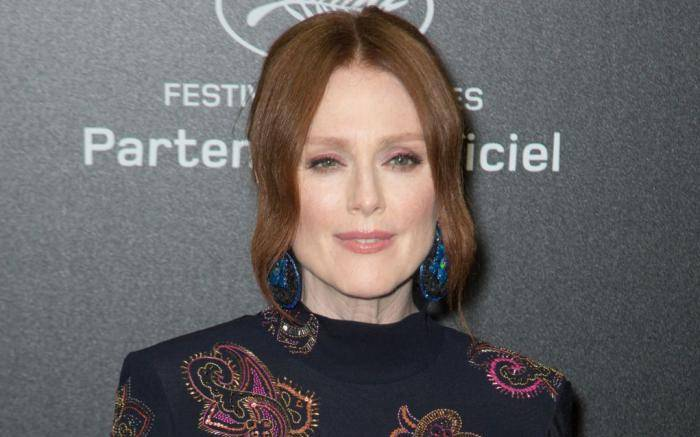Julianne Moore Lifestyle, Wiki, Net Worth, Income, Salary, House, Cars, Favorites, Affairs, Awards, Family, Facts & Biography - Julianne Moore Lifestyle Wiki Net Worth Income Salary House Cars
