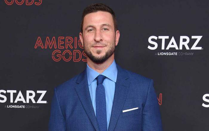 Pablo Schreiber Lifestyle, Wiki, Net Worth, Income, Salary, House, Cars, Favorites, Affairs, Awards, Family, Facts & Biography - Pablo Schreiber Lifestyle Wiki Net Worth Income Salary House Cars