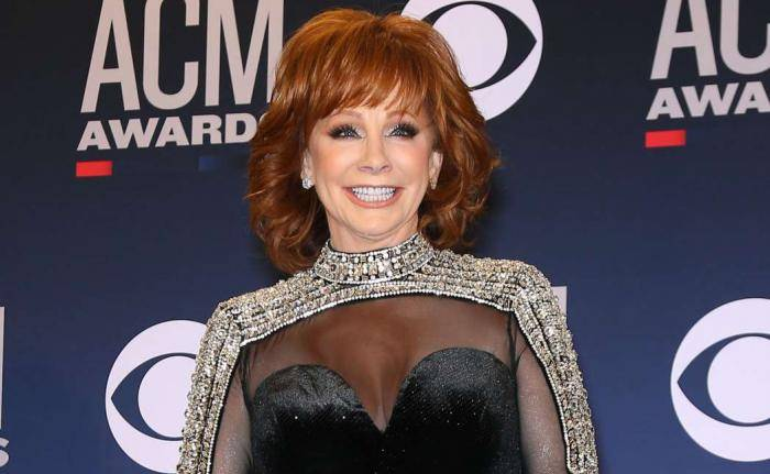 Reba McEntire Lifestyle, Wiki, Net Worth, Income, Salary, House, Cars, Favorites, Affairs, Awards, Family, Facts & Biography - Reba McEntire Lifestyle Wiki Net Worth Income Salary House Cars
