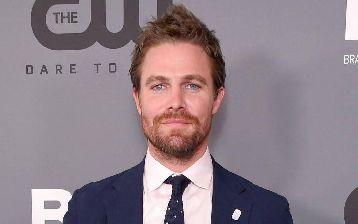 Stephen Amell Lifestyle, Wiki, Net Worth, Income, Salary, House, Cars, Favorites, Affairs, Awards, Family, Facts & Biography - Stephen Amell Lifestyle Wiki Net Worth Income Salary House Cars