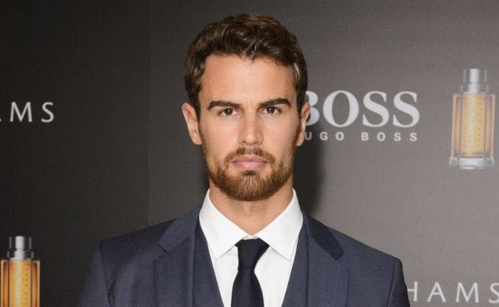 Theo James Lifestyle, Wiki, Net Worth, Income, Salary, House, Cars, Favorites, Affairs, Awards, Family, Facts & Biography - Theo James Lifestyle Wiki Net Worth Income Salary House Cars